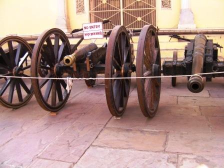 『シティ・パレス』にあった大砲